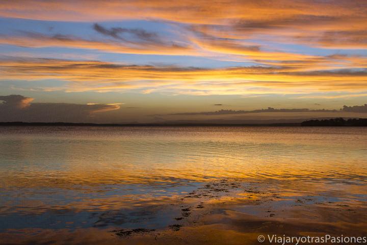 Maravilloso atardecer cerca de la famosa Jervis Bay, en Australia