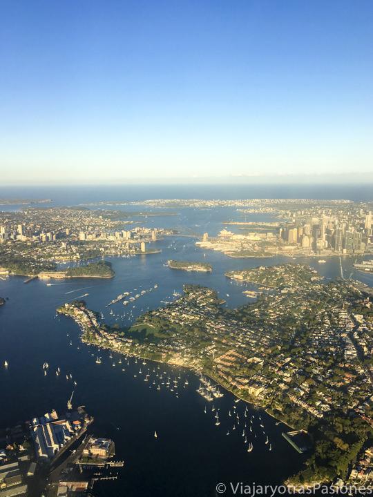 Espectacular panorama desde un avión llegando a Sydney, Australia