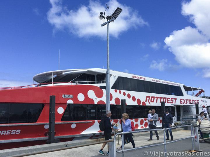 Barco desde Fremantle para visitar Rottnest Island en Perth en Western Australia