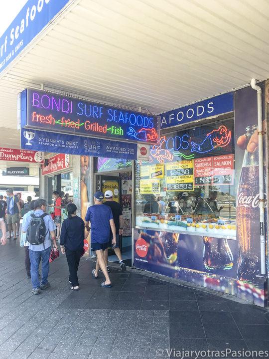 Entrada del Bondi Surf Seafoods en Bopndi Beach, Australia