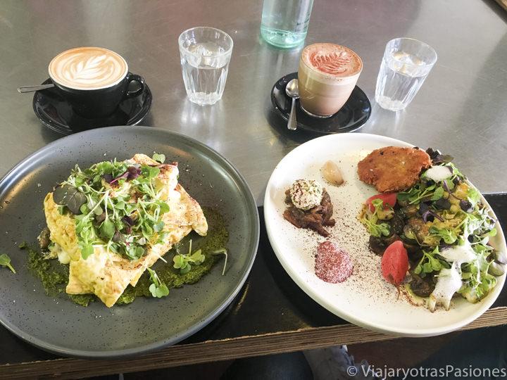 Delicioso brunch en el Sweet Brew Café de Launceston, Australia