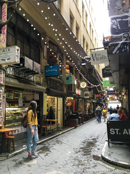 Bonito callejón en las Lanes en el CBD de Melbourne en Australia