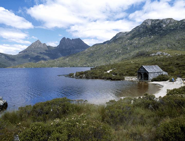 Maravillosa vista de Dove Lake y la Cradle Mountain en Tasmania, Australia