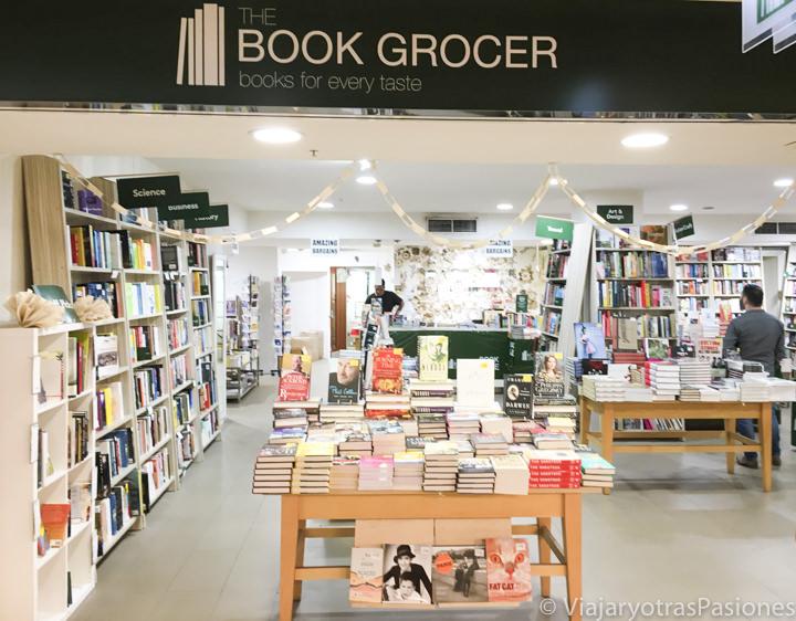 Entrada de la librería Book Grocer en el centro de Sydney, Australia