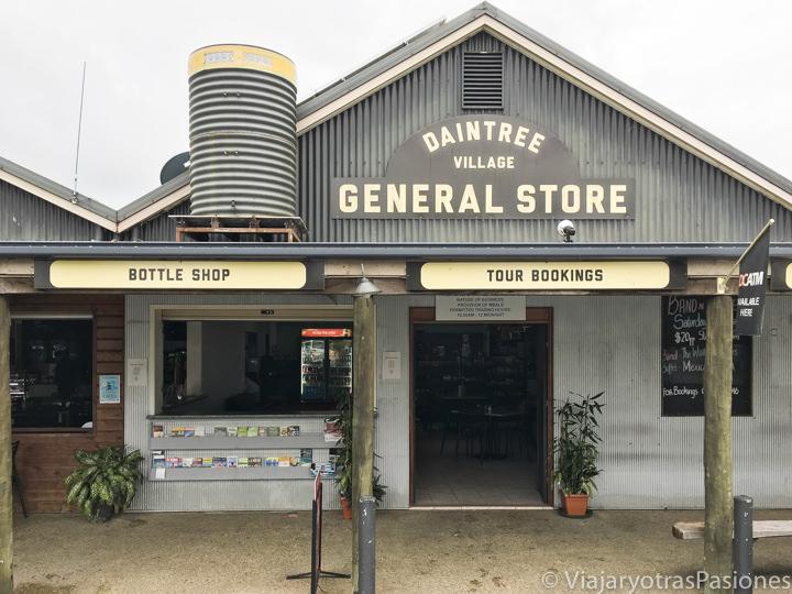 Entrada del General Store del Daintree Village en Queensland, Australia