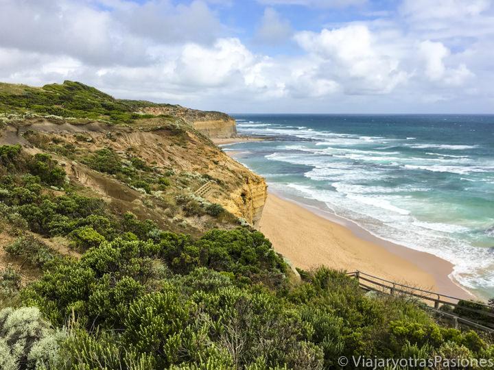 Vista desde arriba de los Gibson Steps cerca de los Doce Apóstoles en la Great Ocean Road en Australia
