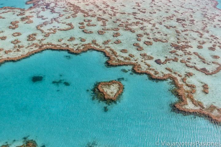 Imagen aerea del famoso Heart Reef en la Gran Barrera de Coral, en Australia