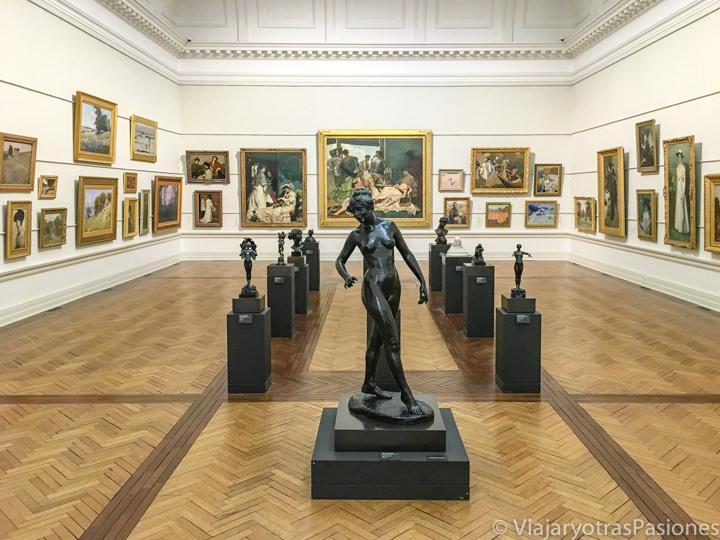 Interior de la galería de arte de NSW en Sydney, Australia