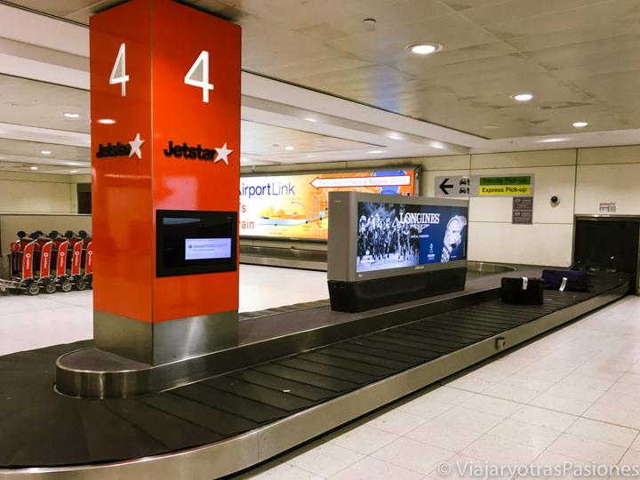 Vista de la zona de recogida de maletas en el aeropuerto de Sydney, Australia