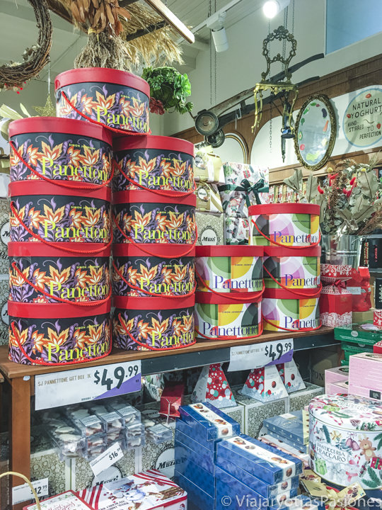 Imagen de típicos dulces de Navidad italianos en un supermercado de Australia