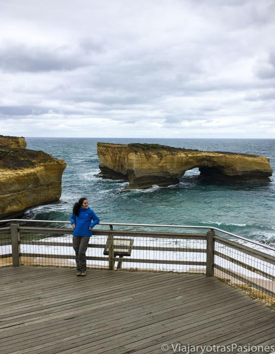 En recorrer la Great Ocean Road se puede ver el London Bridge, en Australia