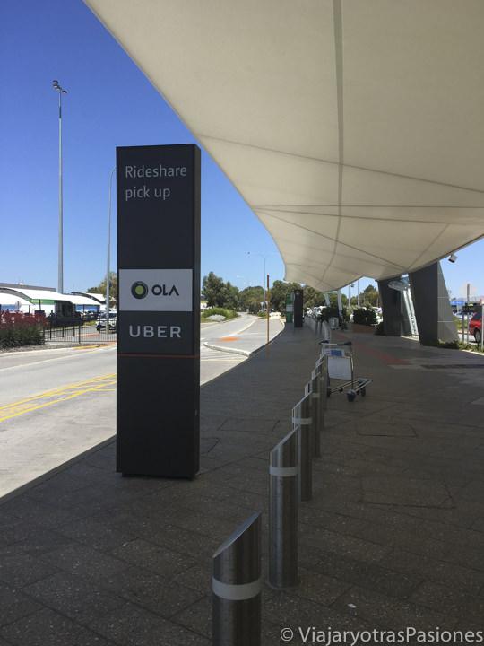 Parada de los Uber para llegar a Perth desde el aeropuerto en Western Australia