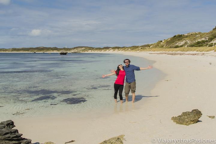 Alegros en una playa paradisiaca en Rottnest Island