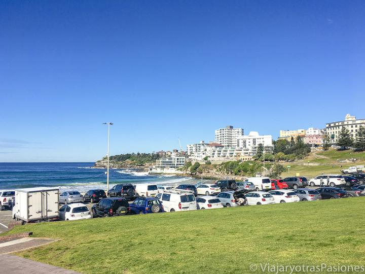Imagen del parking de Bondi Beach en Sydney, Australia