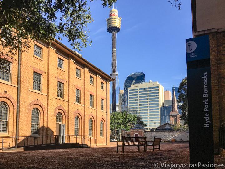 Bonita panorámica del Hyde Park Barracks y del CBD de Sydney, en Australia