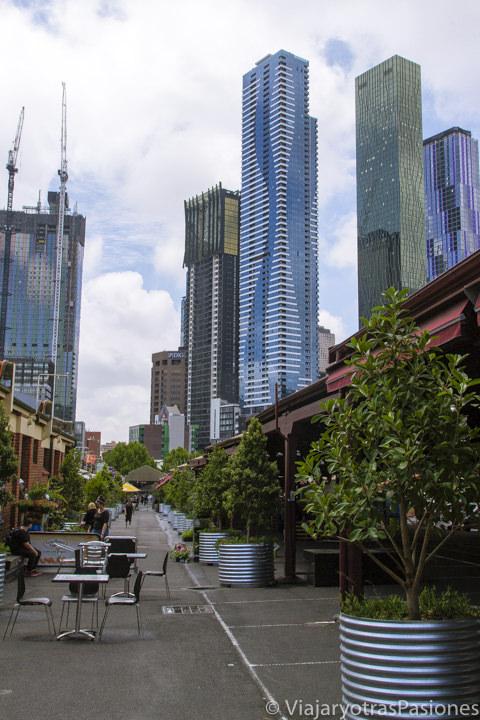 Bonita vista en Queen Victoria Market en el paseo por Melbourne en un día en Australia