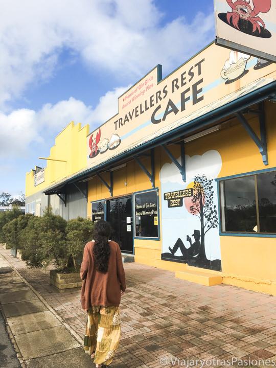 Entrada de un típico cafe para parar en los viajes en coches, Australia