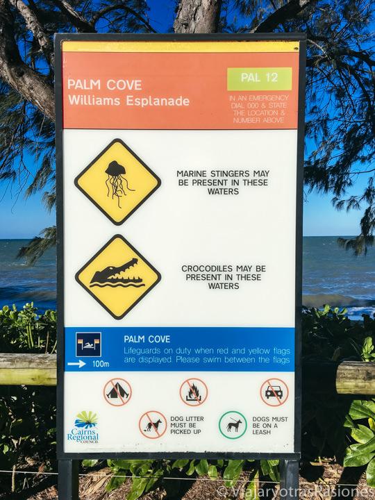 Señal de peligro en una playa de Australia