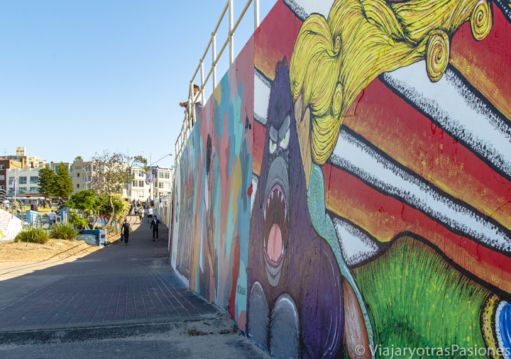 Panorama de la famosa street art de Bondi Beach en Sydney, Australia
