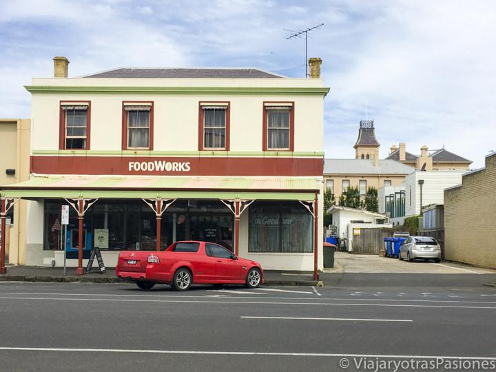 Típicos edificios bonitos en Queenscliff en el estado de Victoria en Australia