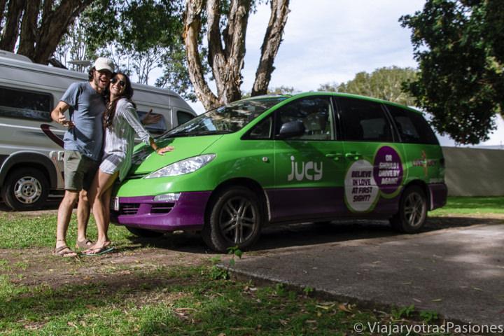 Imagen de una típica furgoneta Jucy en Australia