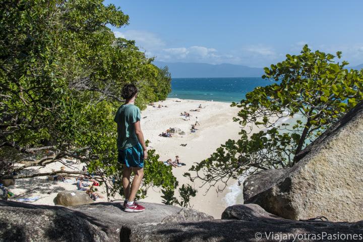 Vista de la hermosa Nudey Beach en Fitzroy Island, cerca de Cairns an Australia